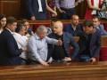 Парасюк поскандалил с депутатами во время выступления Порошенко