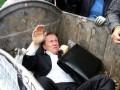 Выбросить депутата в мусорный бак. Какое наказание ждет активистов