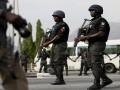 В Нигерии полицейский въехал в толпу людей, восемь жертв