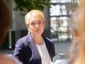 Премии и надбавки в 5 раз больше, чем оклад: Зарплата Гриневич за июнь