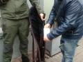 Полиция узнала имя задержанного мужчины с оружием возле Рады