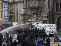 В Праге ультрас устроили беспорядки из-за карантина