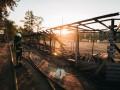В парке Муромец киевлянам сожгли волейбольное поле с трибунами