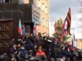 В Донецке пророссийские активисты захватили здание прокуратуры