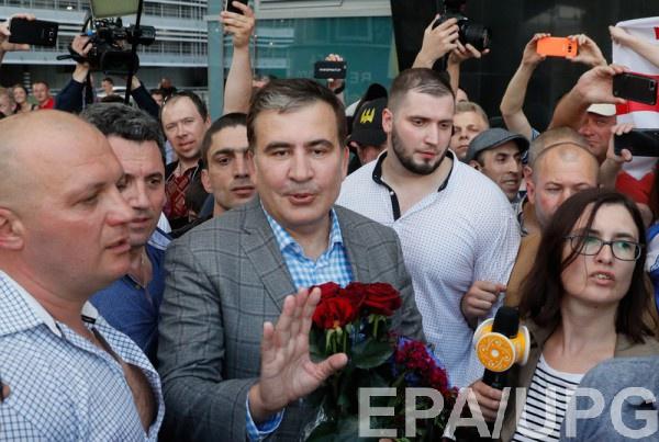 """По словам Саакашвили, он уехал из Грузии, потому что устал """"и люди от меня устали""""."""