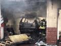 В Киеве пожар уничтожил СТО с автомобилями