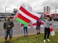 Лукашенко увидел возле флагов протестующих портреты Гитлера