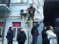 Под домом Саакашвили мужчина угрожал самосожжением