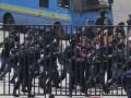 Возле НСК Олимпийский произошла стычка между беркутовцами и представителями оппозиции