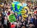 В Нидерландах тысячи школьников провели климатический марш