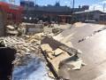 На Нивках после демонтажа МАФов остались руины