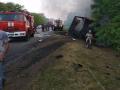 Под Запорожьем на трассе сгорели грузовик и легковушка