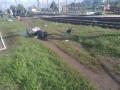 Под Киевом женщина на мопеде попала под поезд