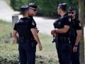 В Испании полицейский встал коленом на горло ребенку