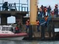 Водолазы подняли 12 тел погибших во время крушения Ту-154