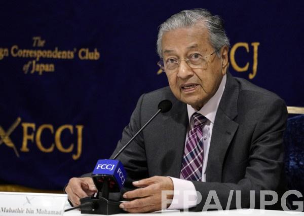 Премьер Малайзии не верит выводам по делу МН17