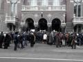 Вкладчики VAB-Банка перекрыли движение по Институтской