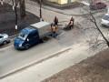 В Киеве отремонтировали дорогу после обсуждения ямы в соцсетях