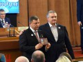 Аксенов вручил Захарченко орден