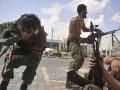 В пригородах Триполи четвертый день подряд происходят столкновения