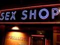 Итоги недели: Закрытие секс-шопа на Печерске и работа в борделе