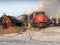 В Канаде перевернулся и загорелся поезд