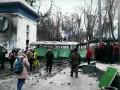 Утро на Грушевского после ночной битвы, 20 января
