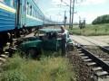 Под Николаевом поезд сбил автомобиль пьяного пенсионера