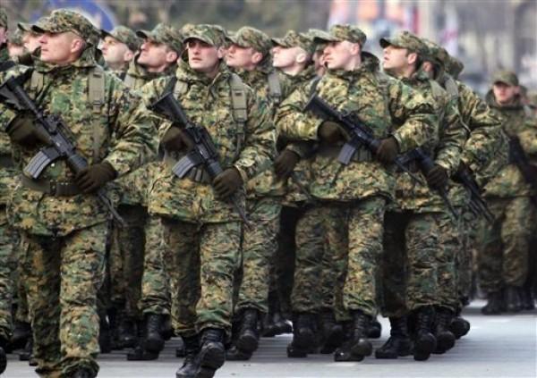 """Мобилизация: Минобороны не будет отправлять """"срочников"""" в зону АТО"""
