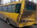 В Киеве фура столкнулась с