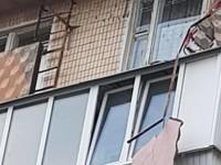 В Киеве в жилой многоэтажке обрушился балкон