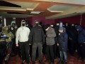 Неизвестные люди разгромили казино возле метро Житомирская
