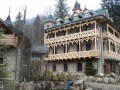Ющенко строит культурный центр в Карпатах