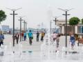 На новой Почтовой площади установили 17 лавочек, фонтан с подсветкой и цветочные клумбы