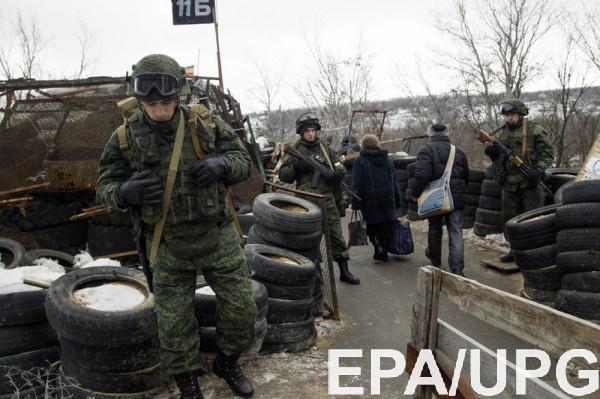 Перед обстрелами по дороге эвакуировали жителей Авдеевки