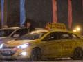 Тысячи российских таксистов бастуют против интернет-сервисов
