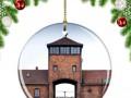 Елочные игрушки с картинками Освенцима: Amazon вновь попал в скандал