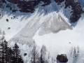 Пять человек погибли при сходе лавины в Швейцарии