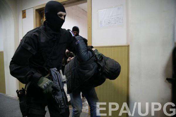 Геращенко: Российская Федерация хватает награнице украинцев иотдает взаложники боевикам