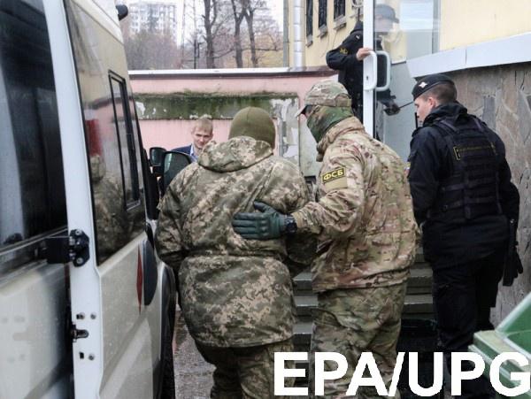 """Украинские моряки были арестованы на два месяца Киевским районным """"судом"""" в оккупированном Симферополе"""