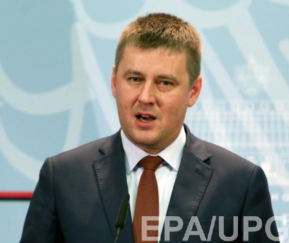 Петршичек осудил депутата за поездку в ОРДЛО