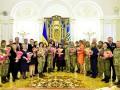 Порошенко поздравил женщин с 8 марта и пожелал две вещи