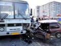 В Умани автомобиль протаранил маршрутку, три человека госпитализировали