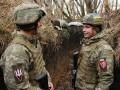 Оккупанты в ООС восемь раз нарушили перемирие и ранили бойца