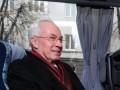 Азаров запретит чиновникам арендовать автомобили и сократит вдвое количество служебных машин