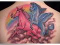 Геи-единороги и окровавленная шея: самые жуткие татуировки (ФОТО)