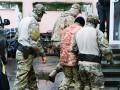 Моряков в Лефортово переодели в тюремную форму и поместили в одиночки
