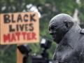 Война с памятниками. Зачем в мире рушат монументы