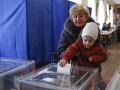 В Одессе билборды кандидата в президенты облили краской