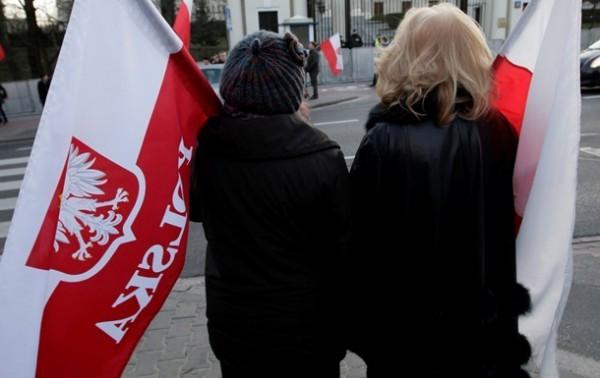Польша направила 40 грузовиков гуманитарной помощи переселенцам из Донбасса